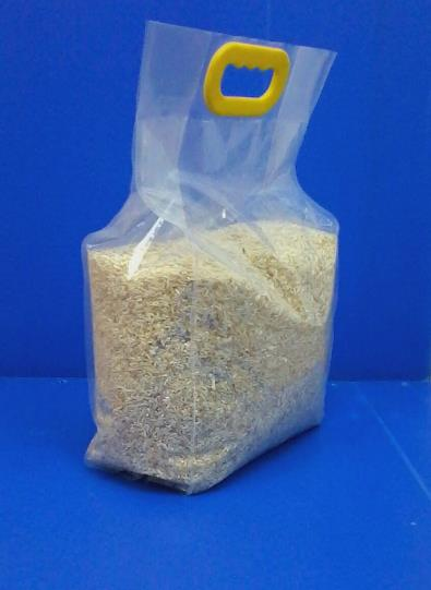 5kg Laminated 4 Side Seal Bag with Plastic Handle 2.jpg